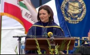 【書き起こし】夫の死から1年 – FacebookCOO、『Lean In』のシェリル・サンドバーグ氏が卒業式で伝えたこととは?